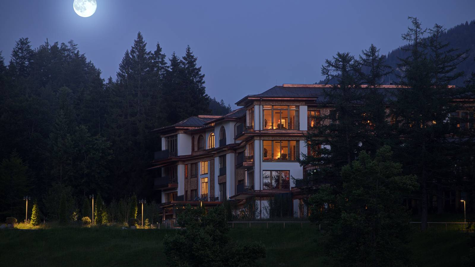 Schloss Elmau Retreat bei Vollmond